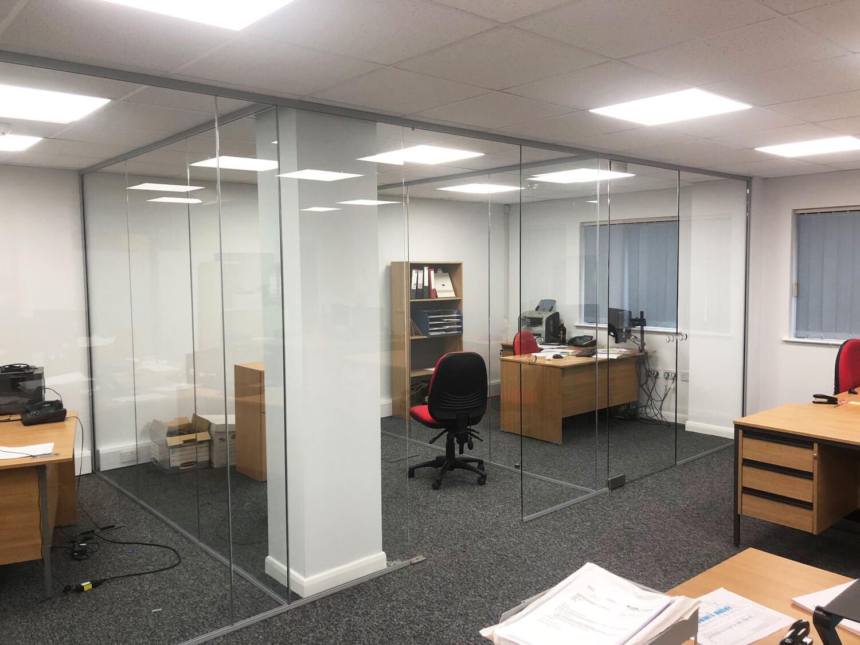 Acoustic glass partition